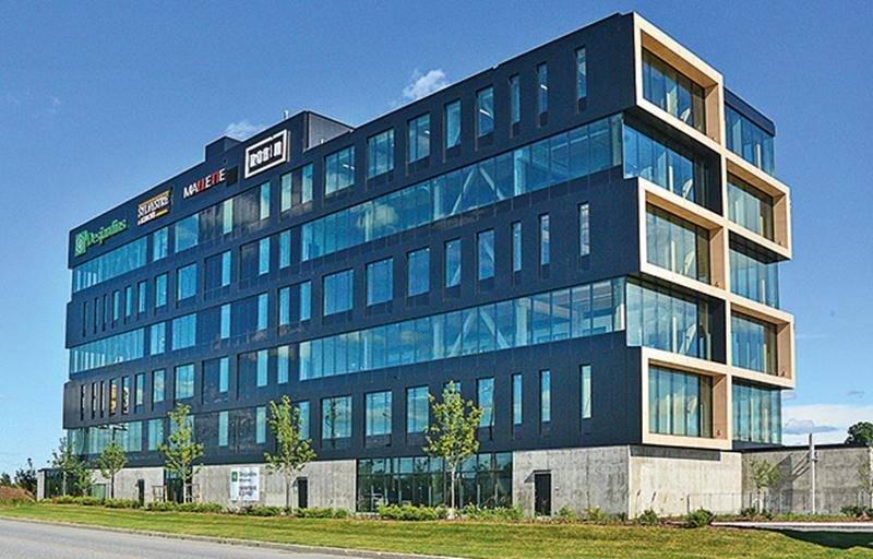 Le Complexe Synergia est le premier édifice à bureaux de Saint-Hyacinthe dont la structure est faite exclusivement en bois d'ingénierie. Photo François Larivière | Le Courrier ©