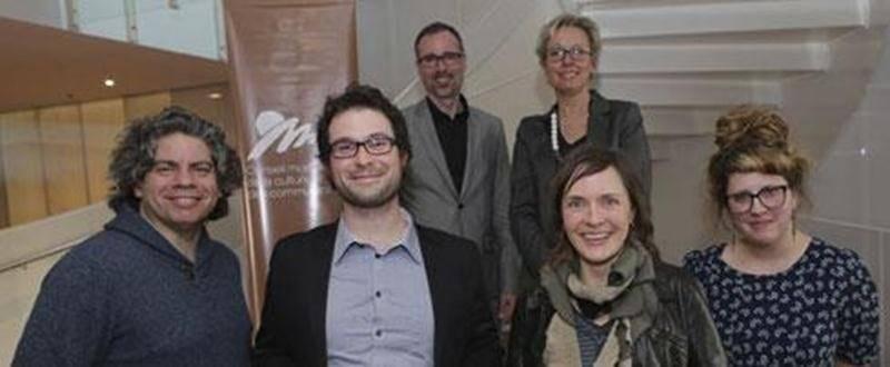 Le Conseil montérégien de la culture et des communications (CMCC), en collaboration avec le Conseil des arts et des lettres du Québec (CALQ), a récompensé le lauréat du Prix de la relève du CMCC ainsi que du Prix du CALQ pour le créateur de l'année en Montérégie. Thomas Hudgson, artiste multidisciplinaire de Saint-Jean-sur-Richelieu, a été félicité pour l'excellence de son travail en tant qu'artiste de la relève artistique professionnelle montérégienne. Le CALQ, quant à lui, a décerné le Prix du