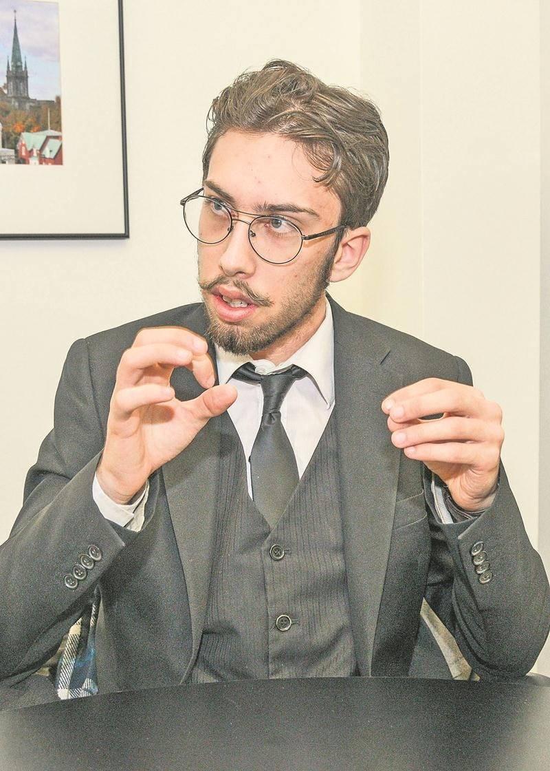 Simon Drapeau, candidat dans Douville.   Photo François Larivière | Le Courrier ©