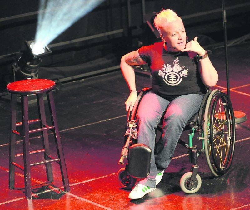 Jani Barré a conquis les 200 spectateurs présents lors de la Soirée Juste pour rire du 7 mai, au Centre des Arts Juliette-Lassonde.  Photo François Larivière | Le Courrier ©