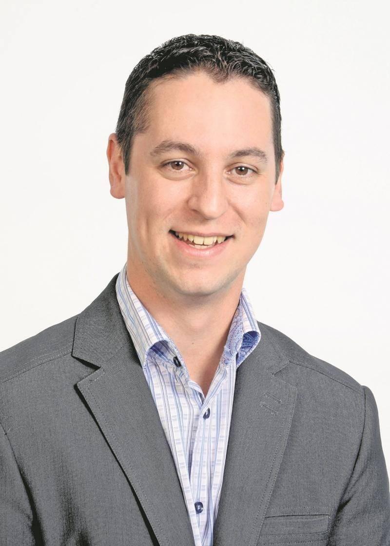 Après plus d'une décennie en affaires, la PME O.M. Informatique, fondée par Olivier Martin, a fusionné avec l'entreprise HelpOX.