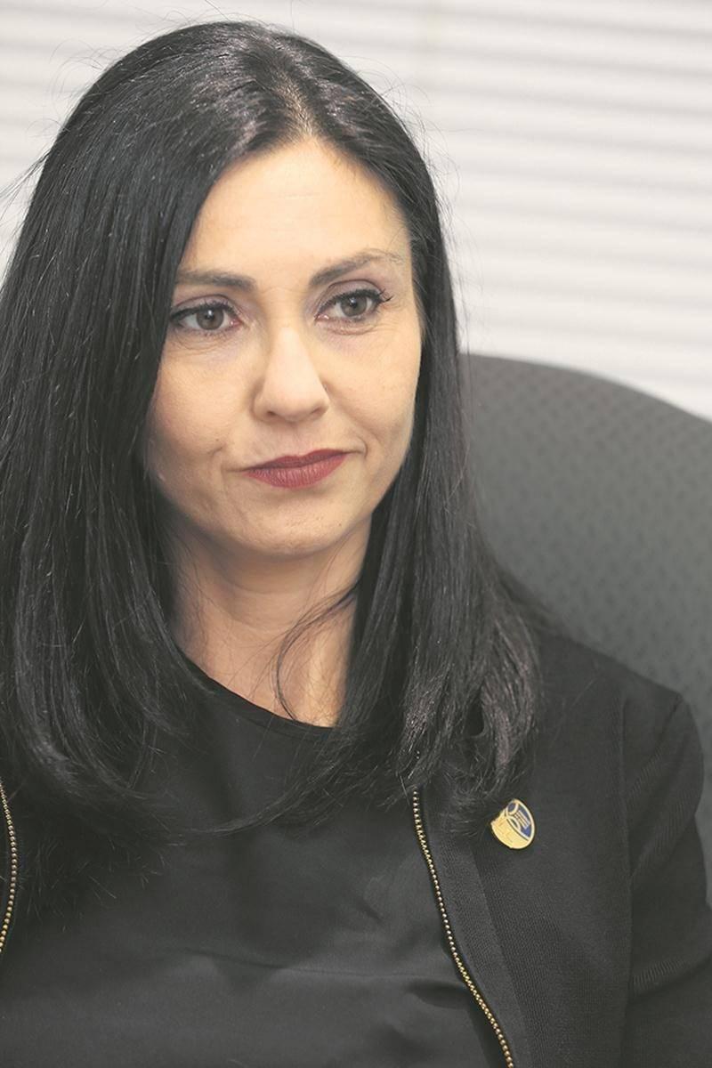 La députée de Saint-Hyacinthe, Chantal Soucy, a rencontré récemment la direction régionale du ministère des Transports pour faire le point sur le projet de pont étagé ferroviaire sur l'autoroute 20.   Photothèque | Le Courrier ©