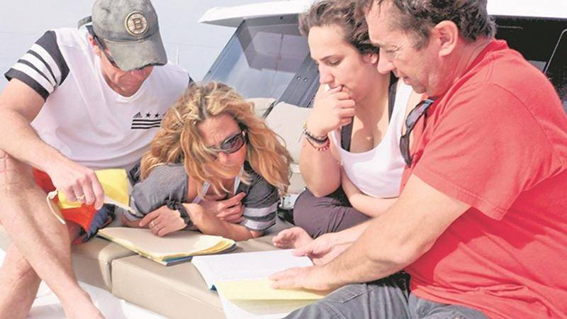 La famille Leduc a fait appel aux services d'un skipper professionnel, Bernard Lamonde, pour sa grande traversée de l'océan Atlantique. Photo Courtoisie