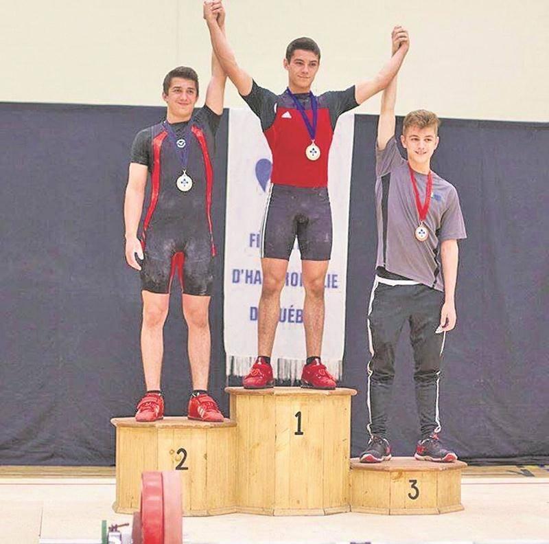 Les frères Matt et Shad Darsigny ont régné dans la catégorie des 62 kg, terminant 1er et 2e.  Photo Courtoisie