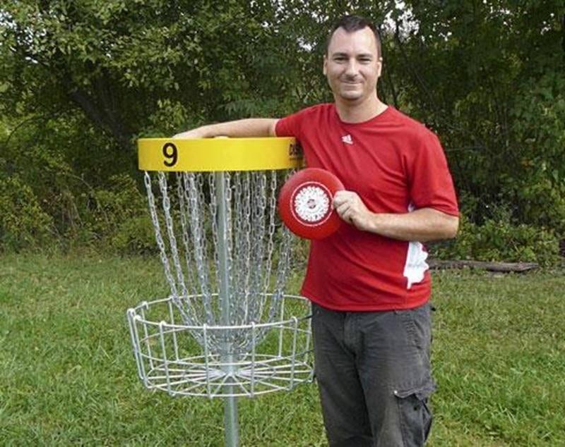 Le Maskoutain Julien Paiement a terminé au deuxième rang au cumulatif des points du championnat provincial de <em>disc golf</em>. Au cours de l'été, il a réalisé un exploit peu commun en réussissant un trou d'un coup sur le neuvième trou du parcours L'Avenir. Le championnat provincial, officiellement connu sous le nom <em>Québec Disc Golf Tour</em>, est composé de 10 tournois qui se déroulent notamment à Québec, Granby, Lennoxville, Ham-Sud et à l'Île Charron.