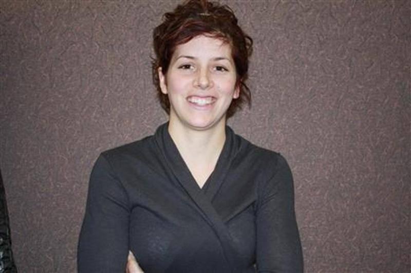 Originaire de Saint-Bernard-de-Michaudville, Mélissa Perreault, étudiante de deuxième année du programme de gestion et exploitation d'entreprise agricole à l'Institut de technologie agroalimentaire (ITA), campus de Saint-Hyacinthe, a remporté l'une des deux bourses d'études de 750 $ destinées au Québec et offertes par Holstein Canada. Mme Perreault, qui était en lice avec plusieurs candidats pour l'obtention de ces prix, a impressionné les membres du jury par la qualité de sa candidature. Son re