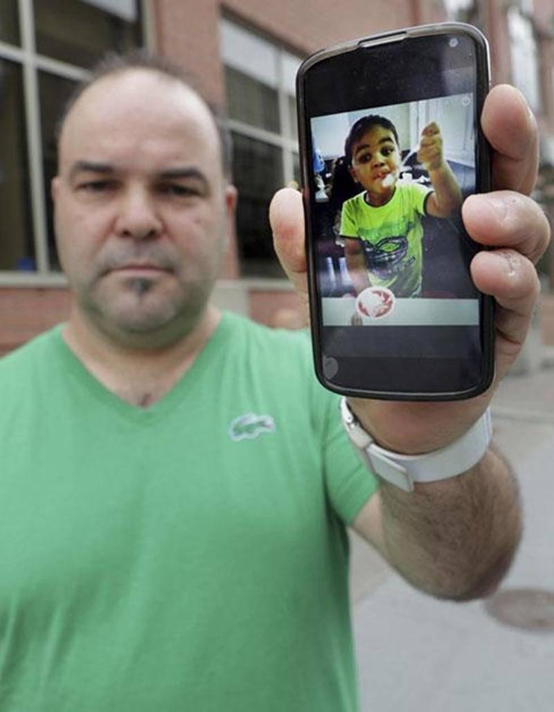 Depuis deux ans, Steve Choquette n'a eu que quelques contacts par web caméra avec son fils, emmené sans son consentement au Venezuela par la mère de l'enfant.