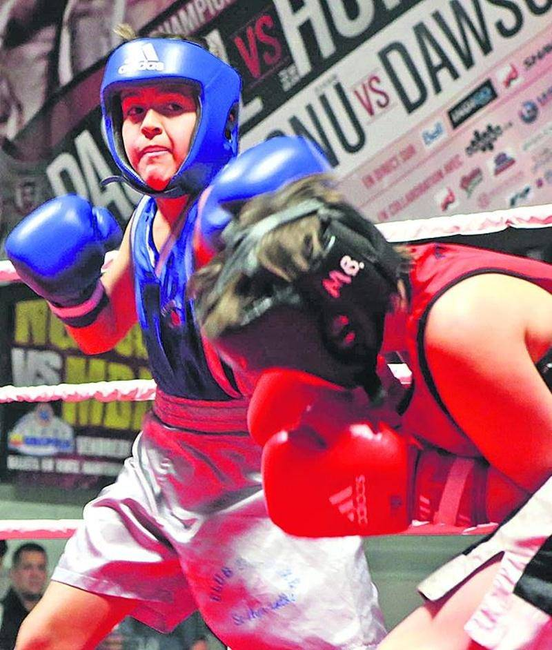 Pas moins de douze combats ont été disputés lors du gala du 18 décembre. Photo Robert Gosselin | Le Courrier ©