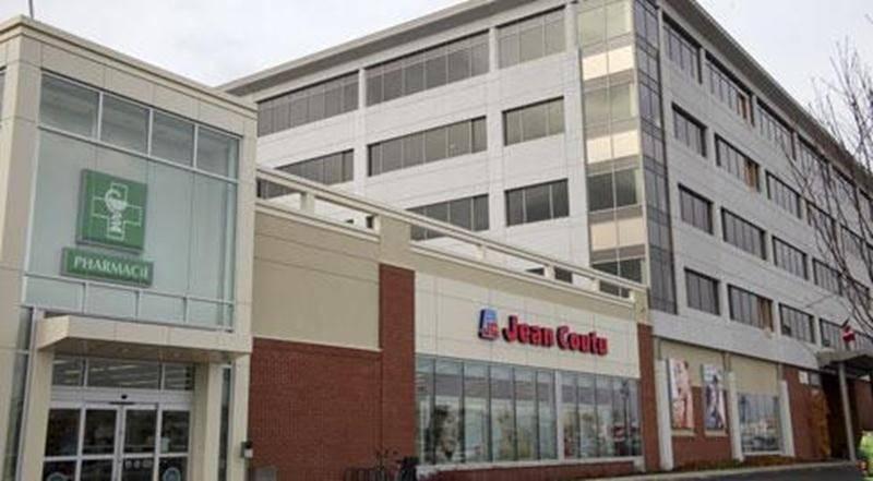 Les Centres d'achats Beauward, propriétaire des Galeries, ont mis en demeure la Ville et les conseillers de ne pas adopter le règlement de zonage autorisant le Groupe Robin à construire une tour à bureaux. En vain.