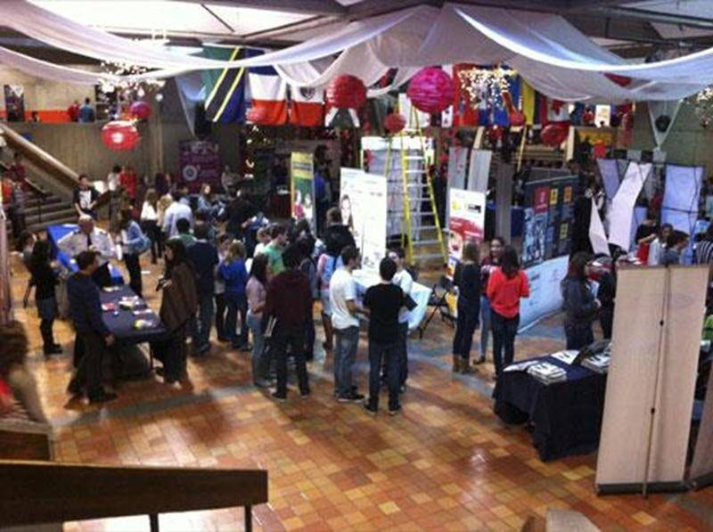 L'Expo-Carrières de la PHD a attiré plus de 1 000 élèves de la 5<sup>e</sup> secondaire provenant tant du secteur public que privé de la région de Saint-Hyacinthe et d'Acton Vale.