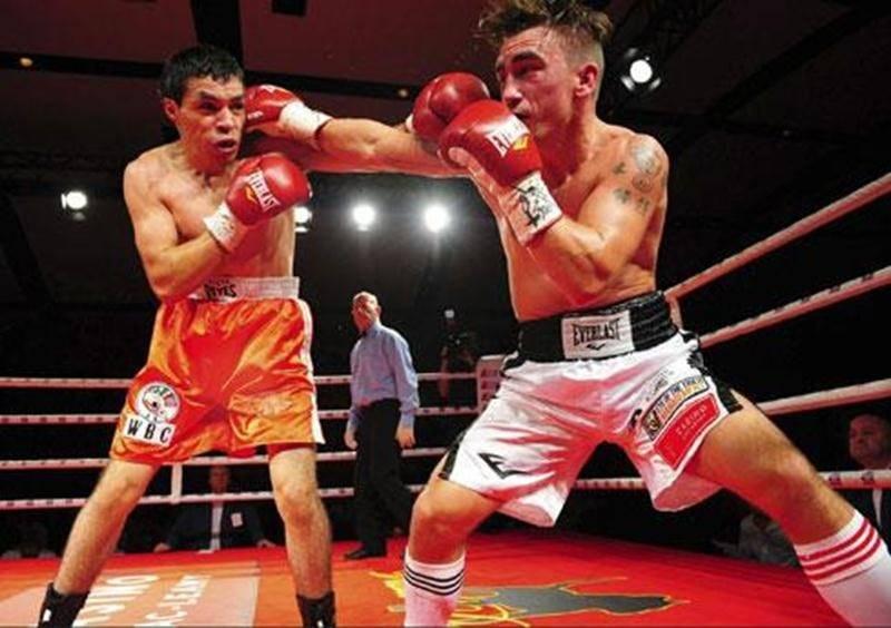 Les juges ont remis des pointages de 39-37, 38-38 et 38-38 au terme du combat de quatre rounds entre Michael Gadbois et Edgar Torres.