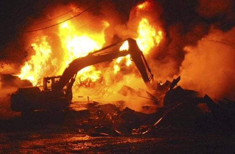 L'incendie a détruit complètement le premier bâtiment de la porcherie de la Ferme Fritsch. Un deuxième a été touché en partie.
