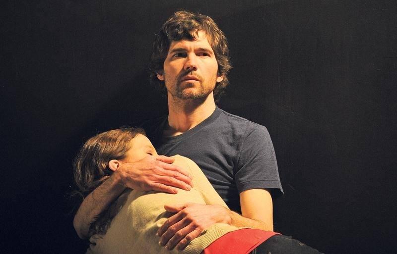 Maxime Dénommée et Éveline Gélinas se retrouvent pour la première fois sur scène pour la tournée de la pièce Des arbres. Photo Courtoisie Suzane O'Neill
