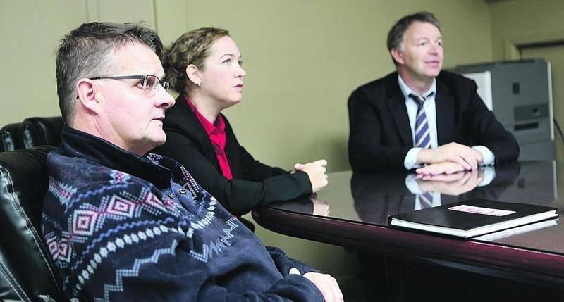 Au premier plan, le nouveau directeur de l'usine Veolia de Saint-Hyacinthe, Martin Bouchard. Photo Robert Gosselin | Le Courrier ©