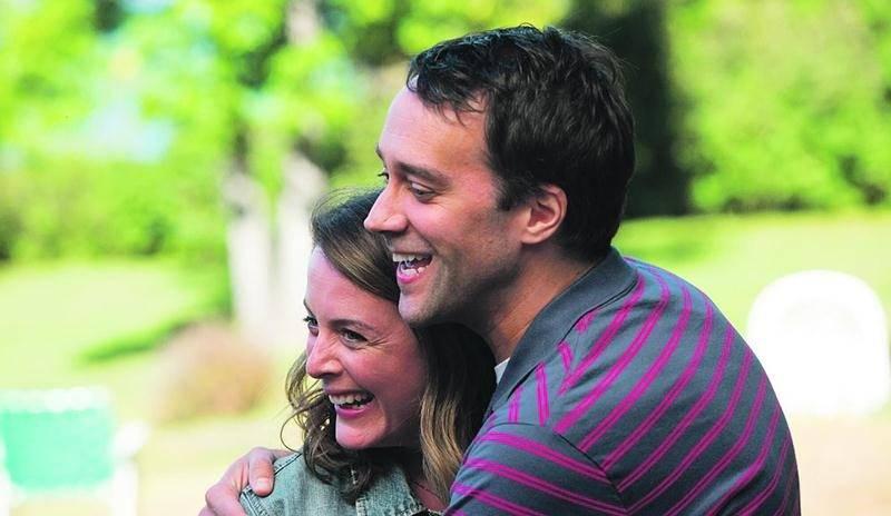 Julie Le Breton et François Létourneau incarnent Lucie et Paul dans la comédie dramatique Paul à Québec. Remstar Films