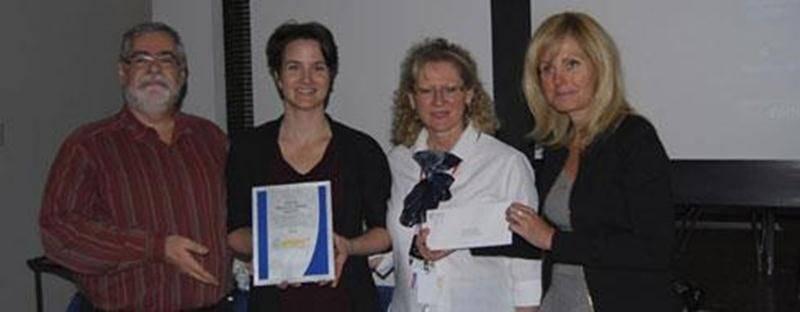 Sur la photo : Docteur Jean-Luc Mathieu, obstétricien gynécologue, Docteure Jacinthe Desranleau, omnipraticienne, Denise Collette, infirmière clinicienne et Nicole Maheux, consultante du programme AMPRO OB .