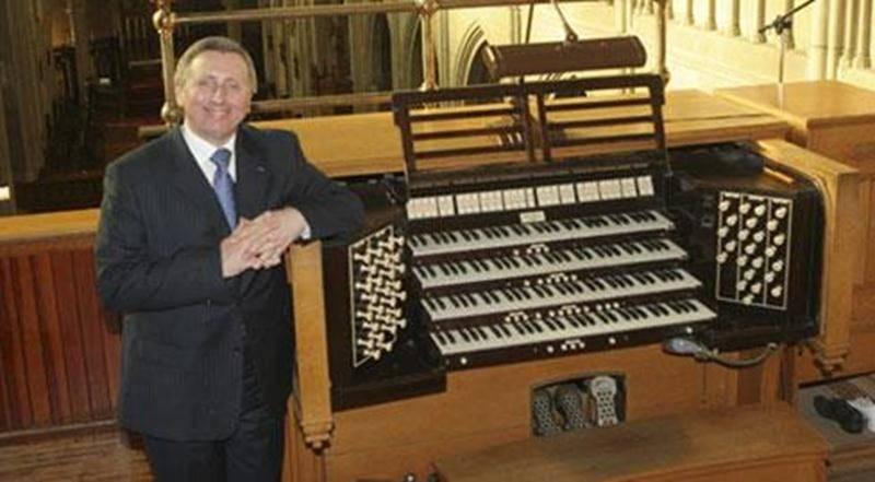 L'organiste titulaire des grandes orgues de la Basilique Notre-Dame de Montréal Pierre Grandmaison sera de passage à Saint-Hyacinthe le vendredi 4 avril à 19 h 30. Dans le cadre de ce récital d'orgue au profit de la Fondation du diocèse, le musicien montréalais offrira gracieusement ce concert pour souligner son 40 e anniversaire à titre de titulaire des orgues de la Basilique. Les billets sont disponibles au coût de 20 $ directement à la Fondation au 450 773-8583 auprès de Nicole Bossinotte au
