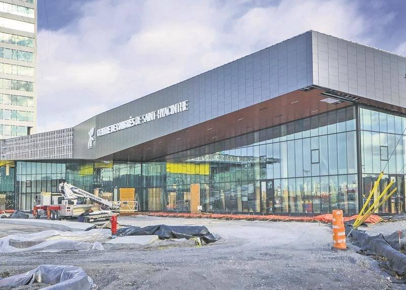 Les travaux de construction du Centre de congrès municipal seront terminés d'ici un mois, selon la Ville de Saint-Hyacinthe. Photo François Larivière - Le Courrier