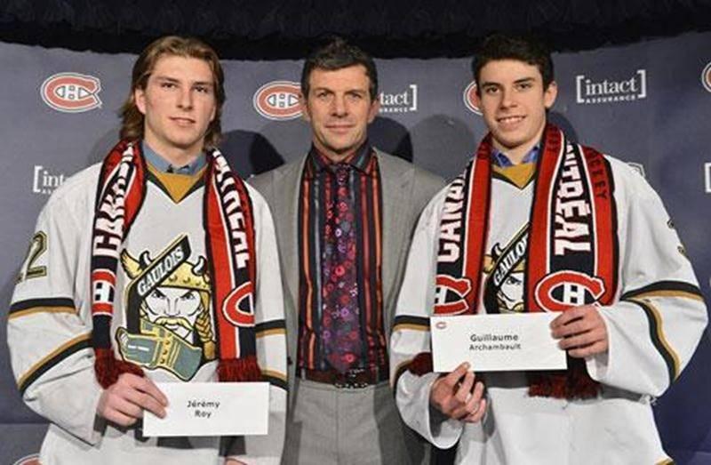 Les Gaulois Jérémy Roy et Guillaume Archambault ont reçu des mains du directeur général du Canadien de Montréal, Marc Bergevin, une bourse de 1 500 $, tout comme 26 autres athlètes de 15 à 17 ans, dans le cadre du programme de bourses de la Fondation de l'athlète d'excellence du Québec du Canadien. Les deux porte-couleurs du Collège Antoine-Girouard ont été accueillis au Centre Bell avant la partie opposant le Canadien aux Jets de Winnipeg le 29 janvier.