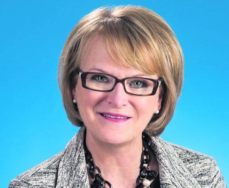 Nicole Ménard, députée de Laporte et présidente du caucus du gouvernement, vient d'être nommée à titre de députée marraine du comté de Saint-Hyacinthe.