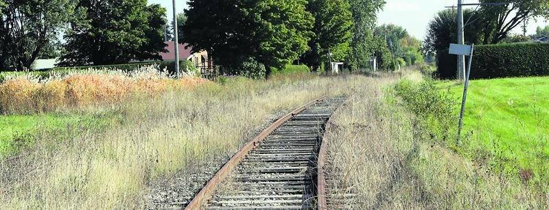 Le nouveau propriétaire de la voie ferrée Farnham - Sainte-Rosalie serait tenté de la remettre en exploitation, mais la MRC s'y oppose. Photo Robert Gosselin | Le Courrier ©