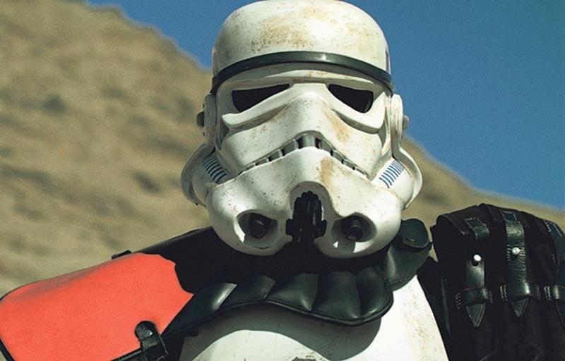 Un Stormtrooper se questionne sur son existence avec la narration du monologue d'Hamlet, de Shakespeare. Photo Courtoisie