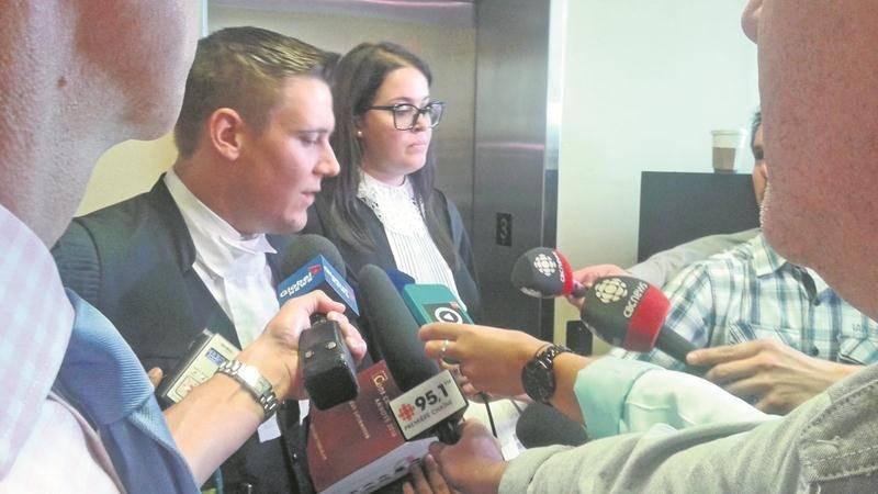Compte tenu de la gravité des accusations qui pèsent contre les deux adolescents, une évaluation psychiatrique a été demandée par les avocats de la défense, Me Francis Savaria et Me Alex Lemay.