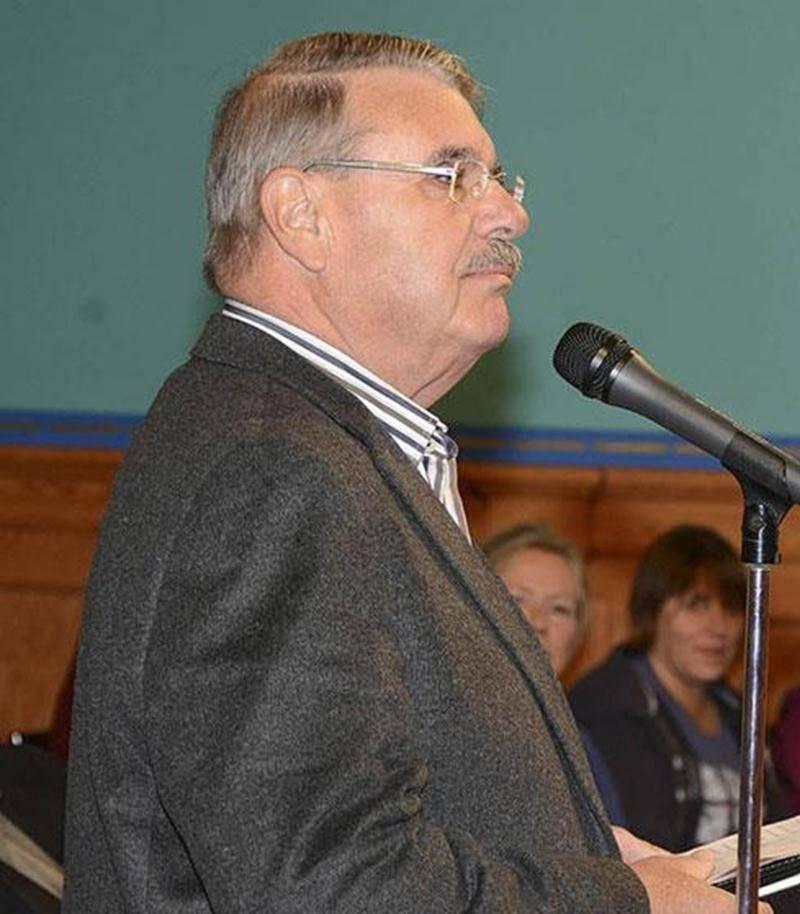 Grand défenseur du centre-ville en tant que carrefour culturel, Pierre Solis a soutenu lundi devant le conseil que la Ville fait fausse route en voulant regrouper les organismes à la Métairie.