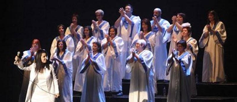La Chorale Ambiance Gospel sous la direction de Sylvie Laprade.