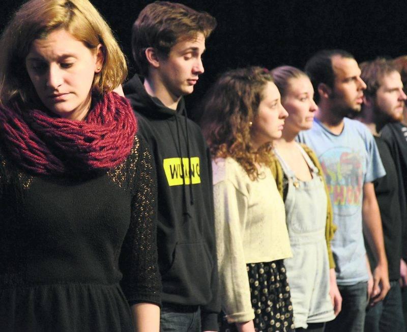 Les finissants de l'École de théâtre plongeront dans l'univers saisissant d'enfants condamnés à errer après avoir été élevés pour tuer. Photo François Larivière   Le Courrier ©