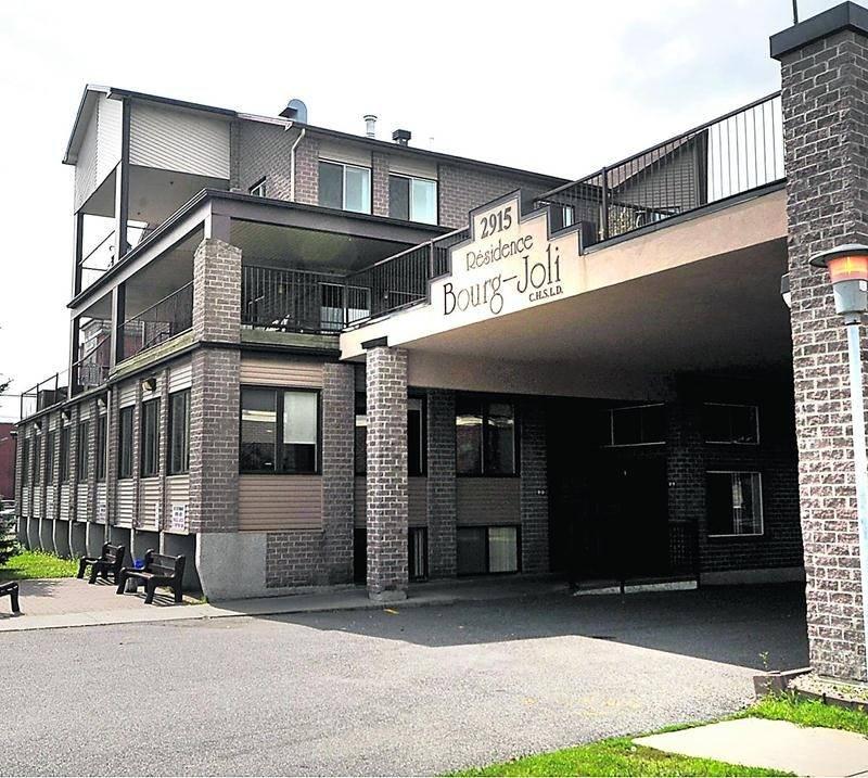 La résidence pour aînés Bourg-Joli située sur le boulevard Laframboise à Saint-Hyacinthe.  Photothèque | Le Courrier ©