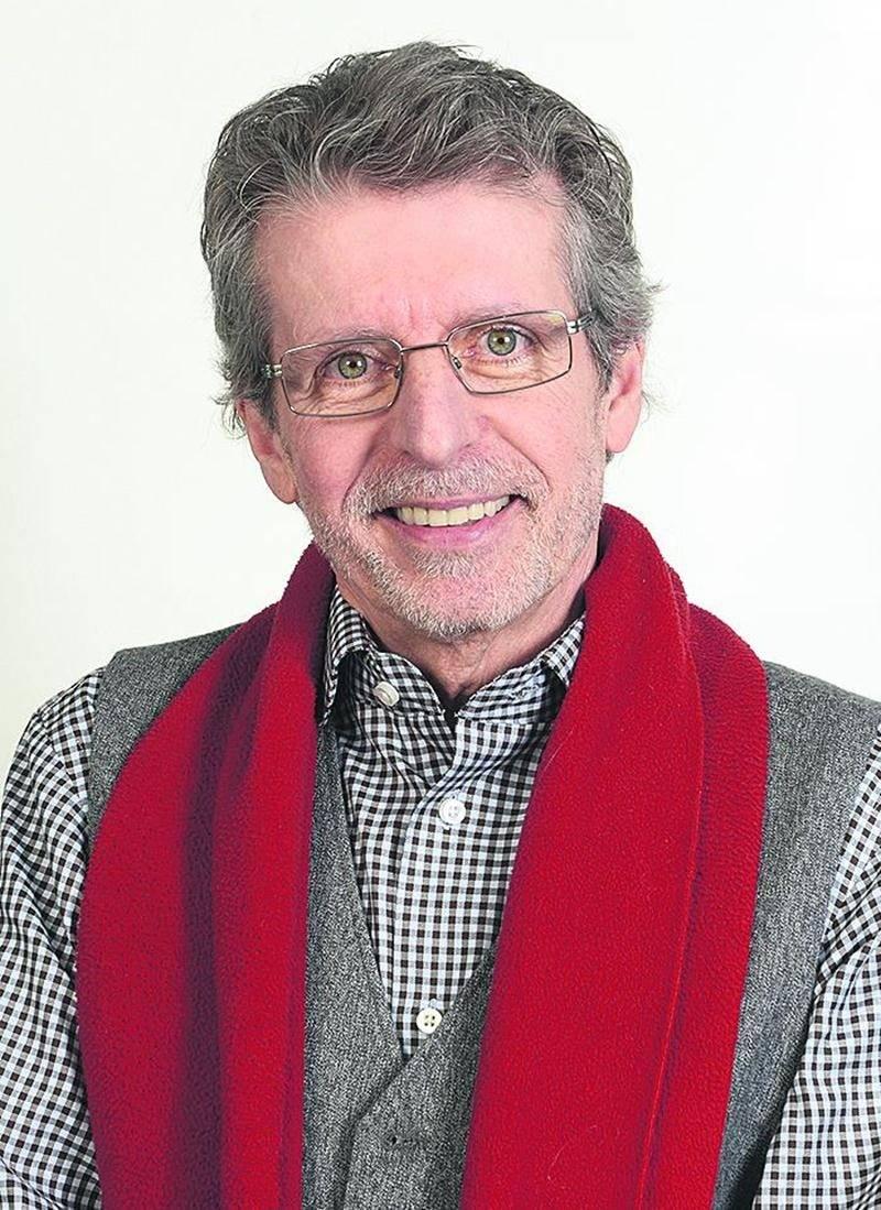 Jean-Louis Courchesne, artiste peintre d'origine maskoutaine, a été retenu pour faire partie de la Collection2016 de la Galerie Stewart Hall de Pointe-Claire. Photo François Larivière   Le Courrier ©