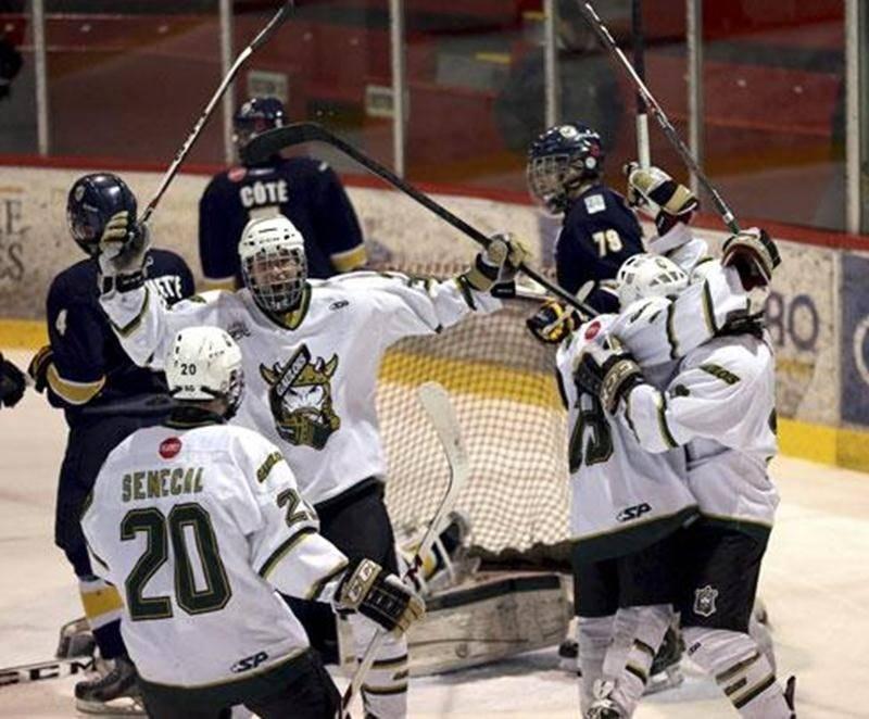 Les Gaulois ont remporté la deuxième partie de la série face aux Estacades de Trois-Rivières par un pointage de 4 à 3.