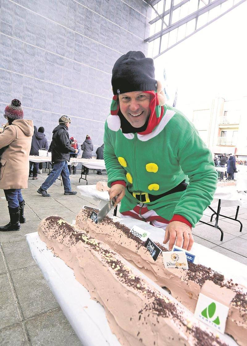 10 000 personnes bravent le froid pour le défilé de Noël