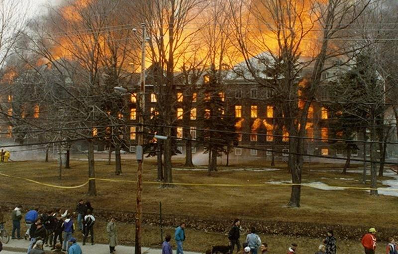Il y a 25 ans... un violent incendie dévastait le Collège Saint-Maurice