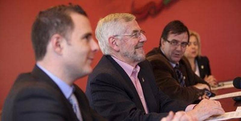 Jonathan Robin , le maire Claude Bernier et le directeur général de la Ville Louis Bilodeau n'ont pas caché leur soulagement de conclure pour le mieux la saga du Couvent de la Métairie.