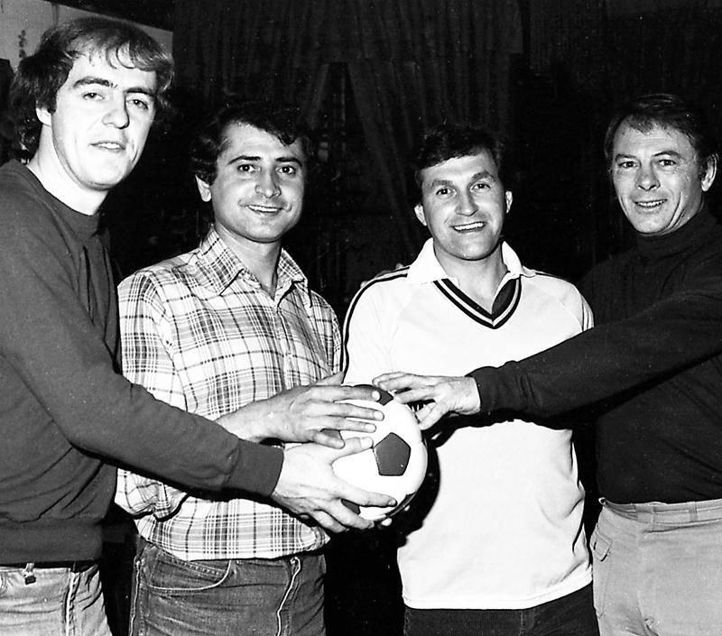 Début de saison 1982 du Milano avec André Bourgeois, Denis (Dyonisos) Vertzagyas, Michel Archambault et Jean-Pierre Le Gall. Photo CHSH – fonds Raymond Bélanger, photographe
