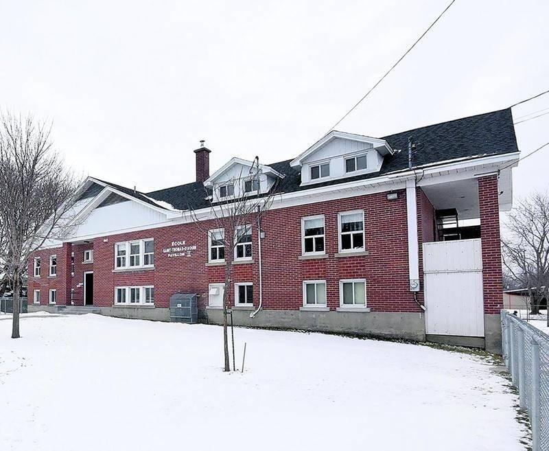 L'école Saint-Thomas-d'Aquin immeuble II est à la fois située sur un terrain contaminé et aux prises avec un problème de vétusté. Photo François Larivière | Le Courrier ©
