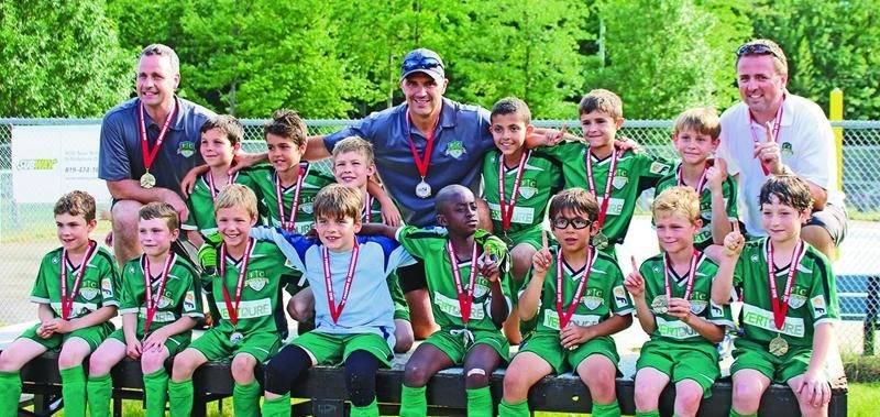 Le FC Saint-Hyacinthe U9 masculin A a battu le Cosmos de Granby 3 à 2 en tirs de barrage pour mettre la main sur la médaille d'or au tournoi de Drummondville. Photo Courtoisie