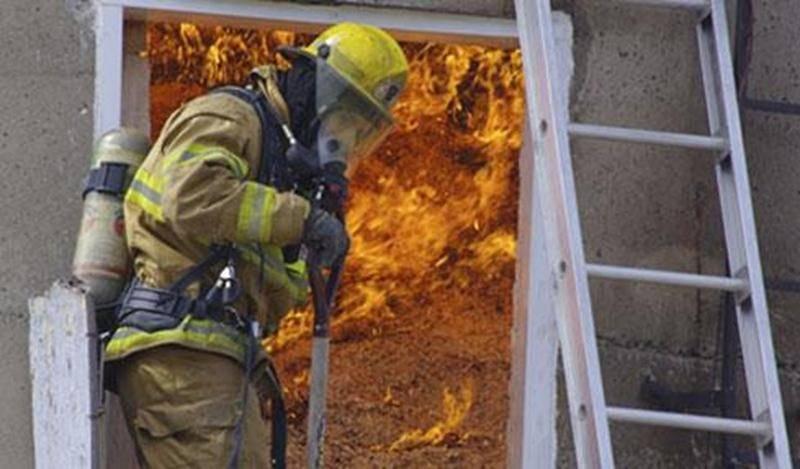 Un incendie s'est déclenché dans un silo de ripe de bois, en après-midi le 2 mai. Les dégâts se sont limités au contenu du bâtiment agricole situé sur le 3 e rang à Saint-Hyacinthe. Malgré des flammes intenses à l'intérieur, consumant la ripe de bois, la structure n'a pas été endommagée outre mesure. Aucune cause n'a été déterminée, mais la chaleur pourrait avoir un effet sur le début du brasier. Une quinzaine de pompiers ont été appelés pour éteindre l'incendie. L'intervention a duré un peu moi