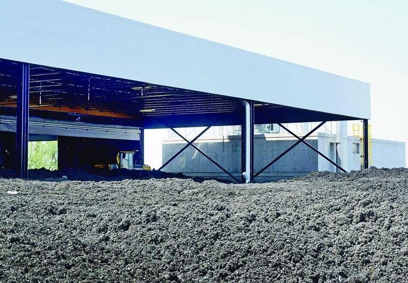 Le digestat s'accumule au Centre de valorisation des matières organiques. Photo François Larivière | Le Courrier ©