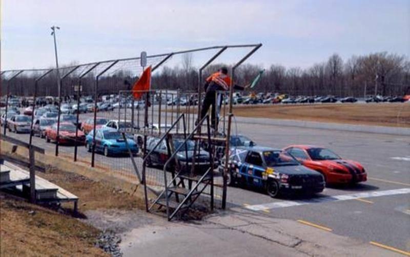 Le promoteur André Bienvenue propose aux amateurs de course automobile une épreuve d'endurance qui se tiendra le 12 juin à SANAIR.