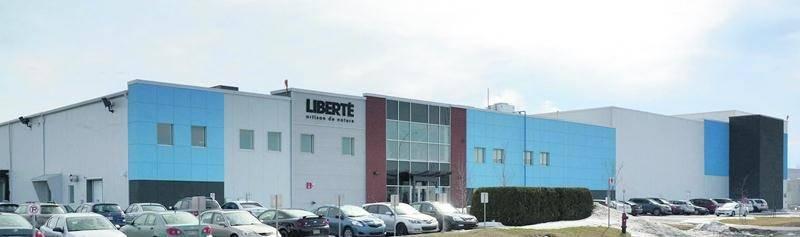Depuis son acquisition par Yoplait en décembre 2010, l'usine Liberté du boulevard Choquette a connu un essor considérable.  Photo François Larivière | Le Courrier ©