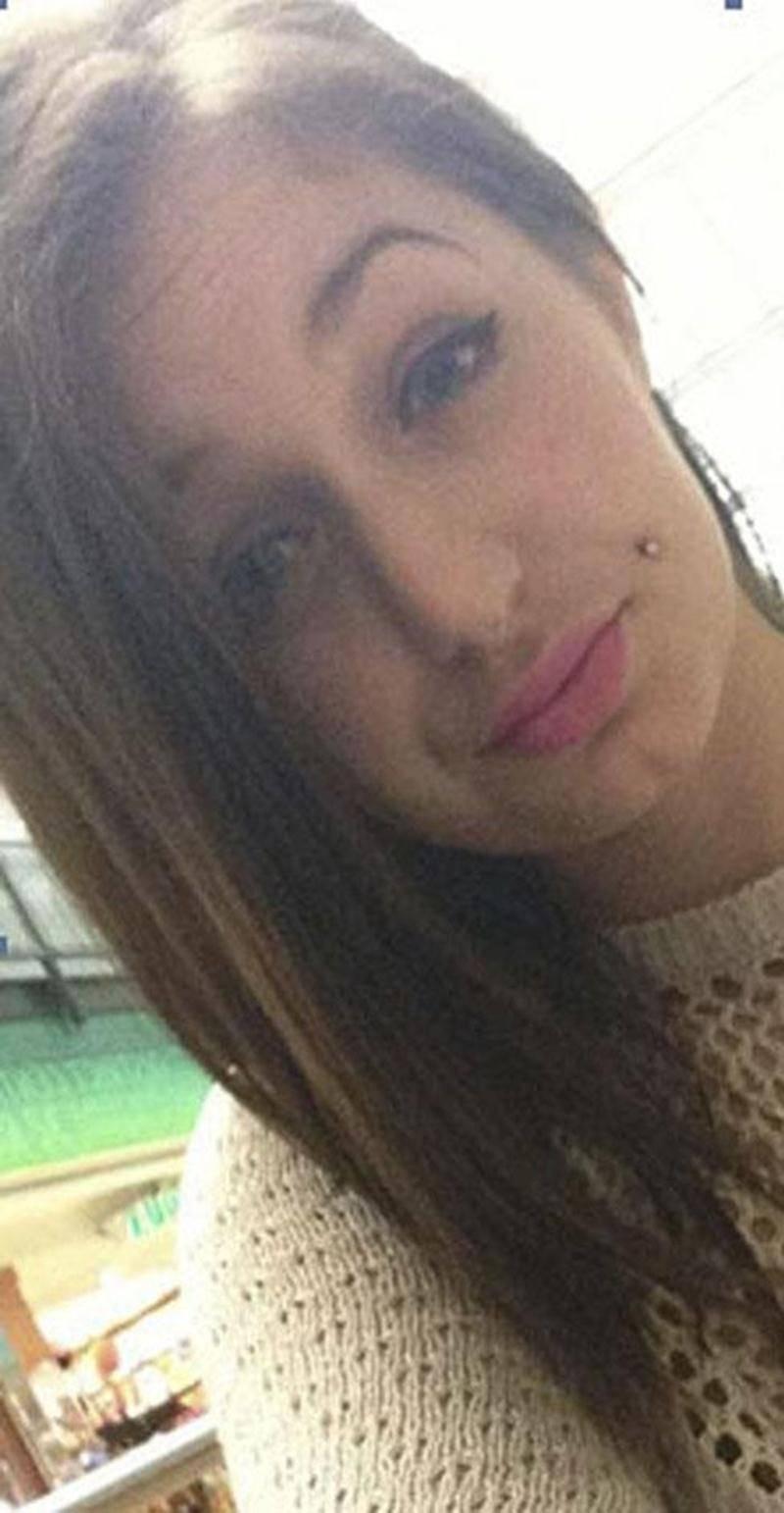 La Maskoutaine de 17 ans, Élisabeth Sénécal, est portée disparue depuis le 8 juillet, date à laquelle elle aurait quitté son lieu de résidence. Plusieurs démarches ont été entreprises par les enquêteurs jusqu'à présent, mais l'adolescente n'a toujours pas été localisée. L'enquête tend à démontrer qu'elle pourrait se trouver dans le secteur de Longueuil. Ses proches ont des raisons de craindre pour sa santé et sa sécurité. On peut la reconnaître grâce notamment à un tatouage sur l'extérieur de la