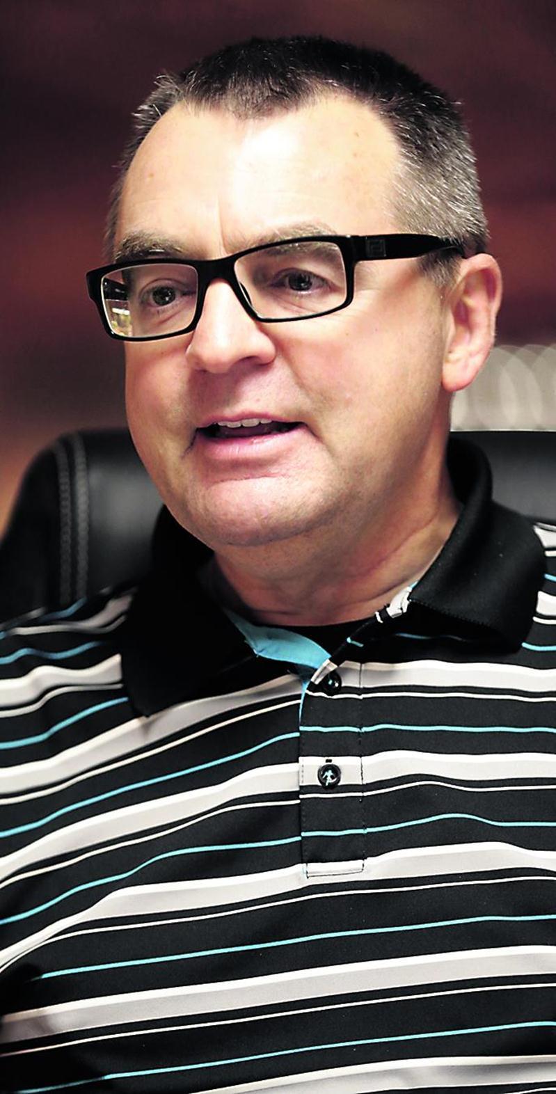 Guy Jodoin est propriétaire de deux épiceries IGA situées dans les quartiers Douville et La Providence à Saint-Hyacinthe. Photo Robert Gosselin   Le Courrier ©