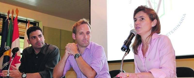 Le congrès international Innovet s'est tenu l'an dernier dans la ville de Viçosa au Brésil. Sur la photo au centre, Donovan St-Hilaire qui agissait à titre de représentant de la Cité de la biotechnologie en raison de la démission de la directrice générale par intérim, Nathalie Laberge.