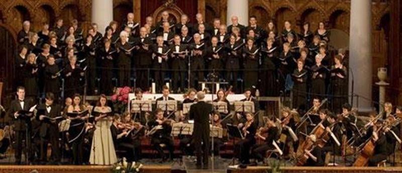 Les amateurs de chant choral ont rendez-vous à la Cathédrale de Saint-Hyacinthe le samedi 10 décembre à 19 h 30. Depuis plus de 20 ans, le choeur réjouit les amoureux de musique classique grâce à ses 60 choristes. L'Harmonie sera accompagnée par Christiane Leblanc au piano et par la soprano colorature suisse-canadienne Gera Findeisen, récipiendaire de nombreux prix et bourses. Une première cette année, l'Harmonie vocale donnera une deuxième prestation de son concert le lendemain, soit le dimanch