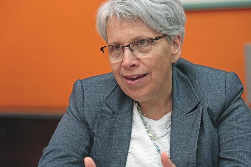 Pour Brigitte Sansoucy, que le gouvernement se contente d'être en faveur de la gestion de l'offre n'est pas suffisant. Elle réclame un « engagement clair » de la part de Justin Trudeau.   Photo Robert Gosselin | Le Courrier ©