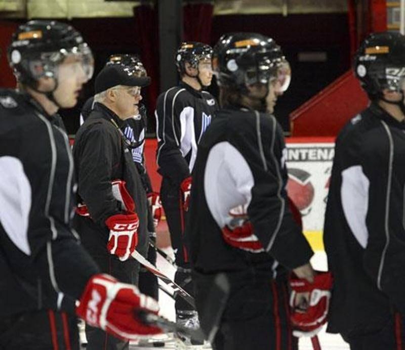 Le Drakkar de Baie-Comeau a tenu une séance d'entraînement sur la glace du Stade L.-P.-Gaucher, lundi matin.