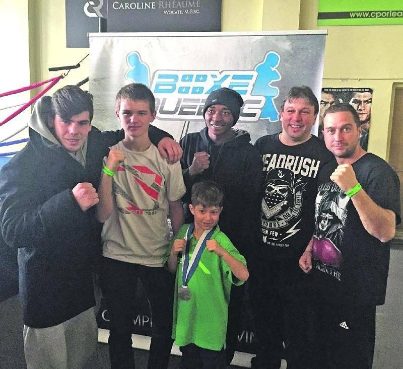 Cinq des six boxeurs du Club de boxe de Saint-Hyacinthe participant aux Gants d'argent sont montés sur le podium.